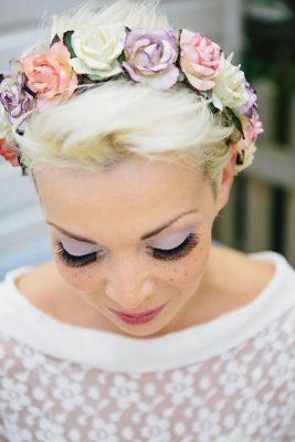 25 façons de porter des fleurs dans ses cheveux - 1
