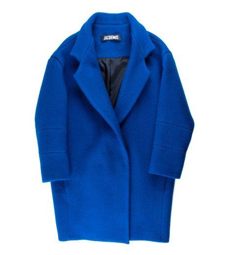 Le manteau oversize bleu piscine Jacquemus