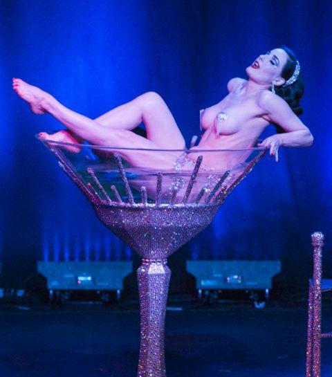 5 astuces pour un striptease réussi