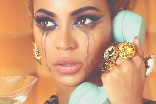 """Beyoncé dans son clip """"Why don't you love me""""."""