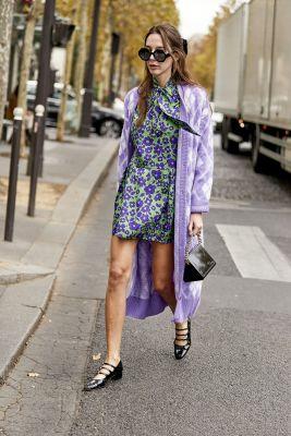 robe courte à fleurs lilas