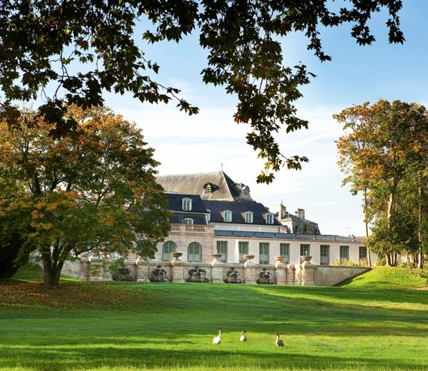 Auberge-du-Jeu-de-Paume-parc-Domaine-de-Chantilly