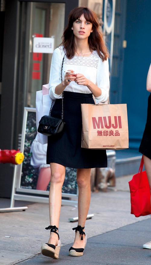 alexa-chung-dans-les-rues-de-new-york-le-5-aout-2013-10965422qnbcc