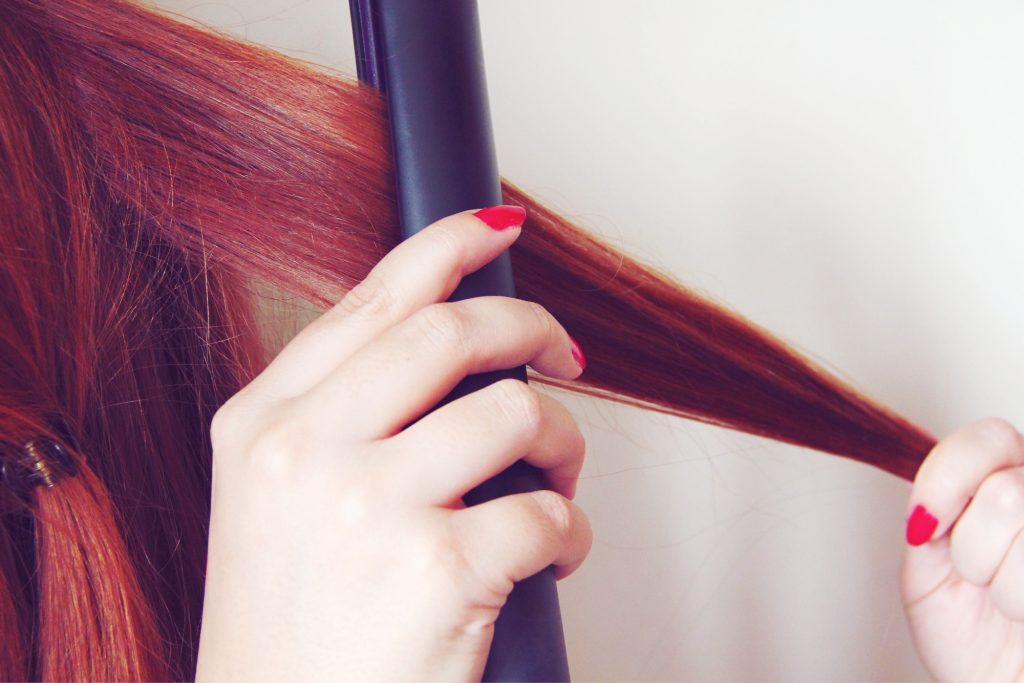 Tutoriel : comment faire des boucles avec un lisseur ? - lisseur