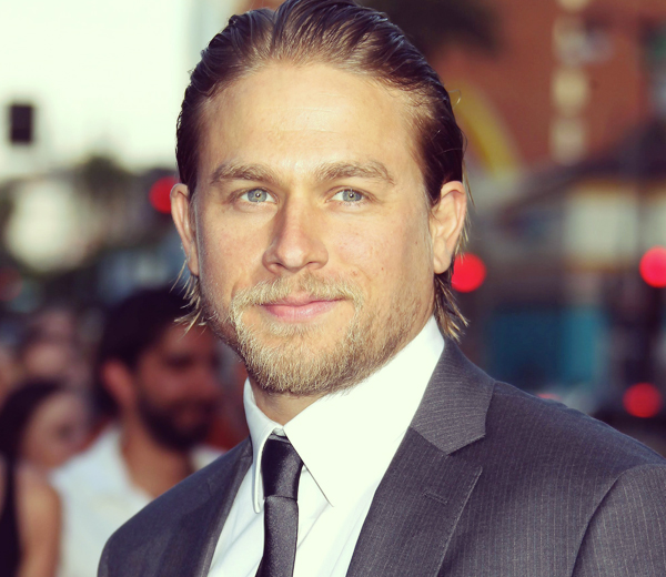 Charlie Hunnam ne jouera pas Christian Grey.