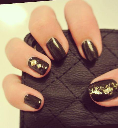 Comment réaliser un nail art Rock ?