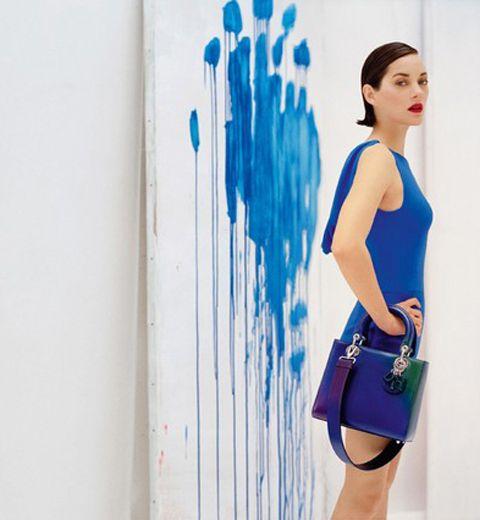 Le bleu klein de la nouvelle campagne Lady Dior
