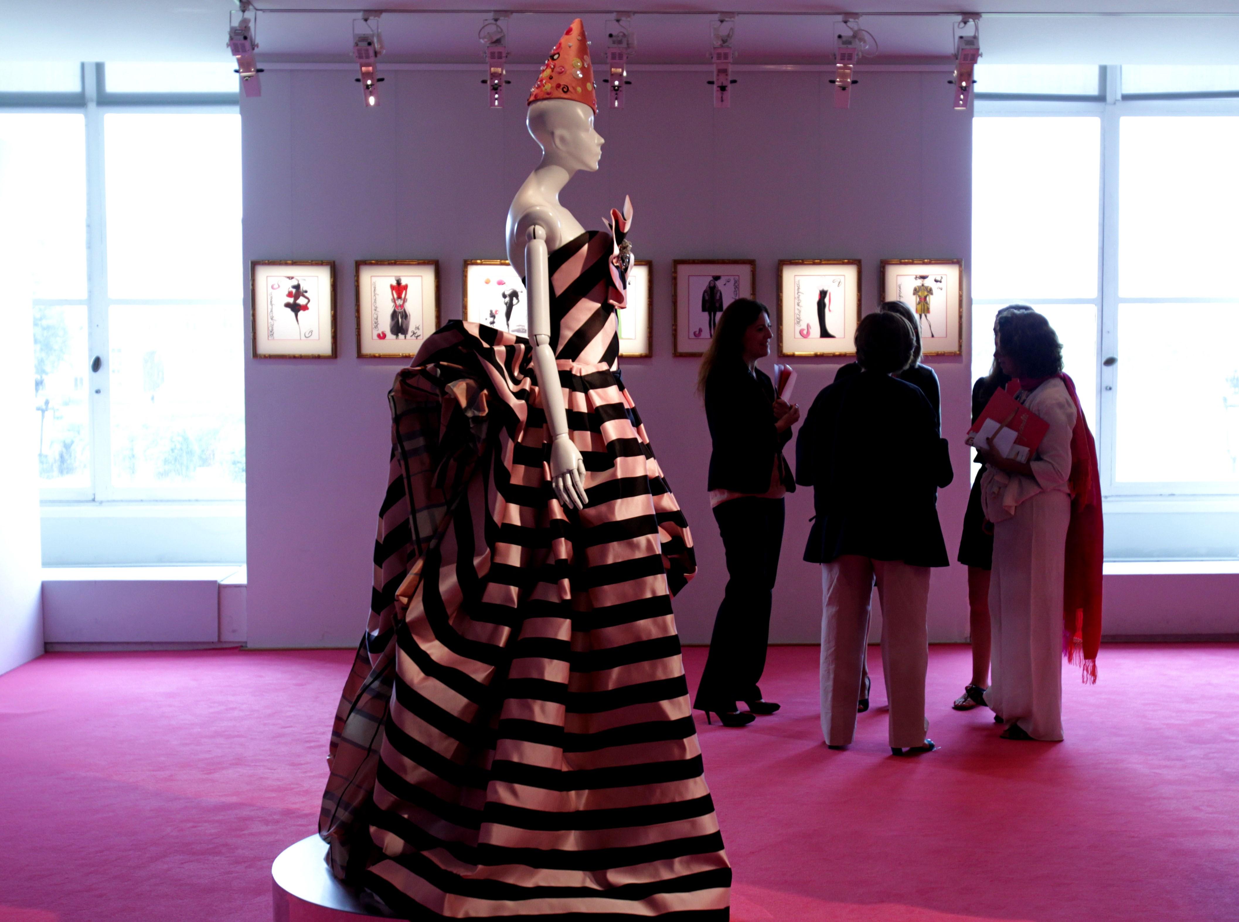 france-paris-fashion-haute couture-schiaparelli