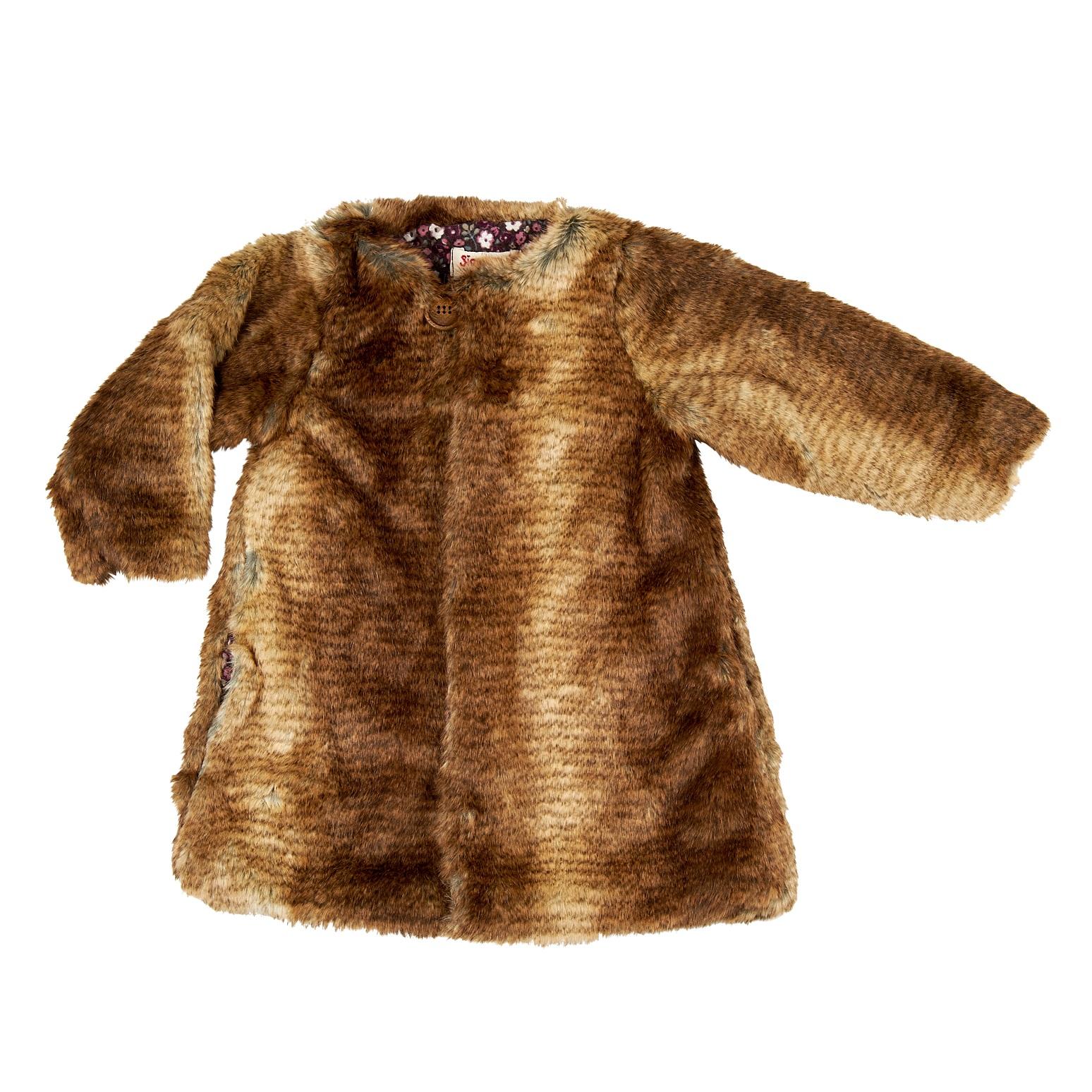 Manteau en lapin-peluche, à shopper sur Les Bonnes Manières.