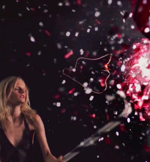 Hanne Gaby qui explose la piñata Sonia Rykiel