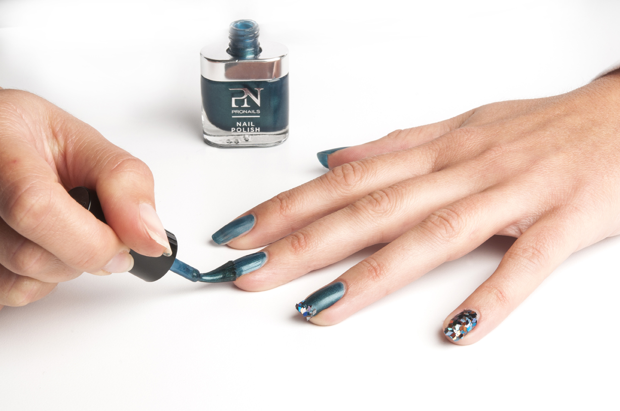 Nail-Facets_Step_2a