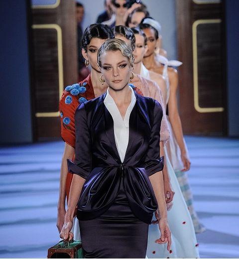 Haute Couture : l'invitation au voyage de Ulyana Sergeenko