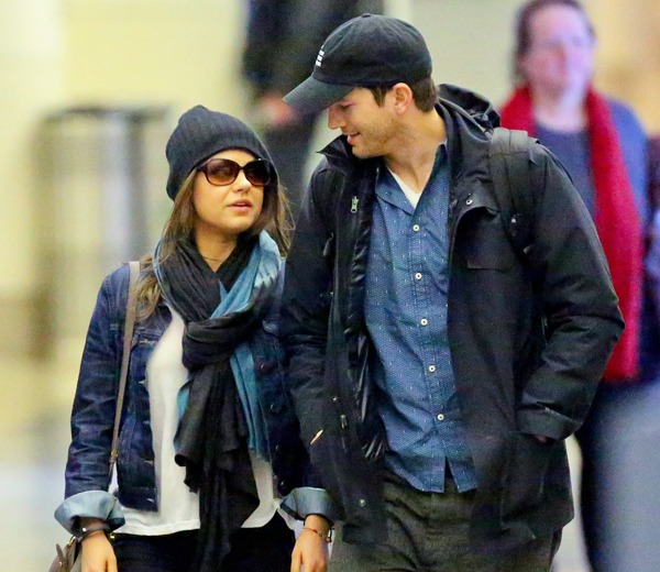no engagement ring for mila kunis upon lax arrival with ashton kutcher