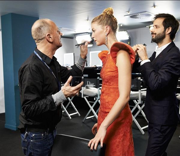 """Adrien Coelho Premier Studio pour l'Oréal coiffe Mona Walravens (""""La vie d'Adèle"""") Backstage Dior © Imagellan/Laure Geerts. Make-up/Grooming by Dior - Hair by L'Oréal Professionnel"""