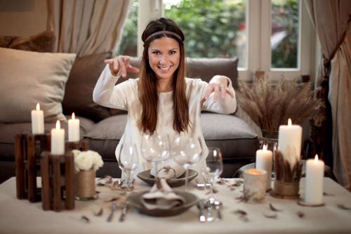 Idées déco pour un diner romantique par Amélie Vincent