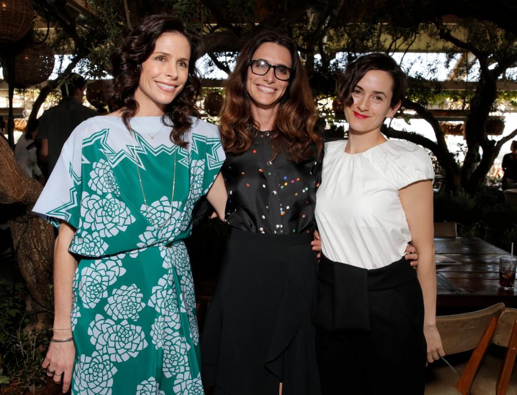 À gauche Cristina Ehrlich, au milieu, Elizabeht Stewart et Karla Welch