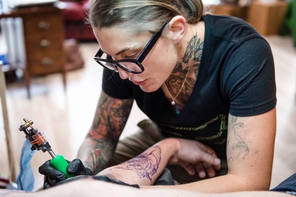 tatoueurs de Belgique : La Perla's Office