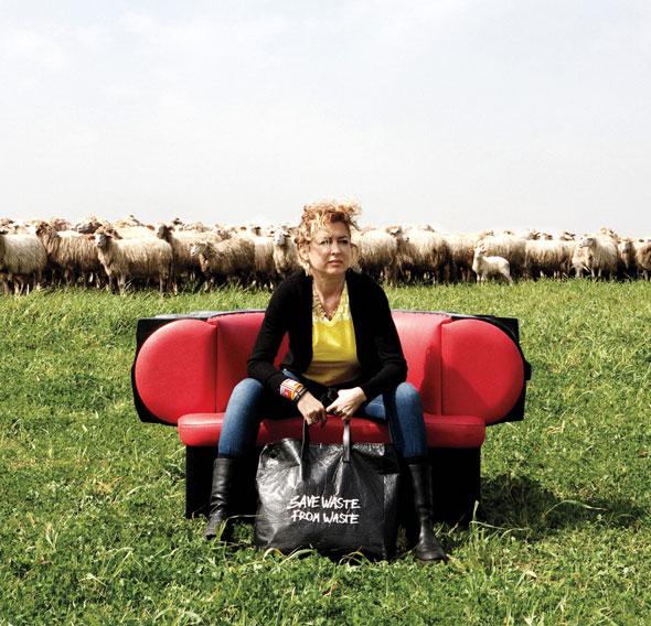 Ilaria Venturini Fendi, pour sa ligne de sacs eco-friendly en 2011. Crédits: W Magazine