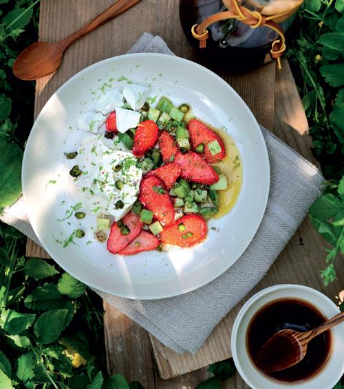 salade-de-fraises-ELI433432