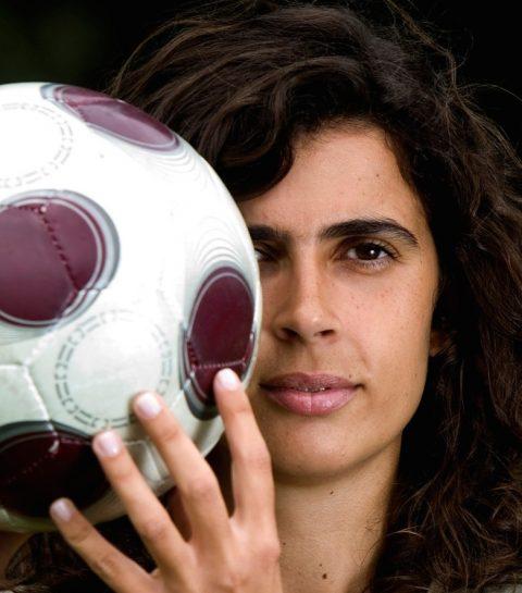Helena Costa: première femme entraîneur d'une équipe de foot masculine