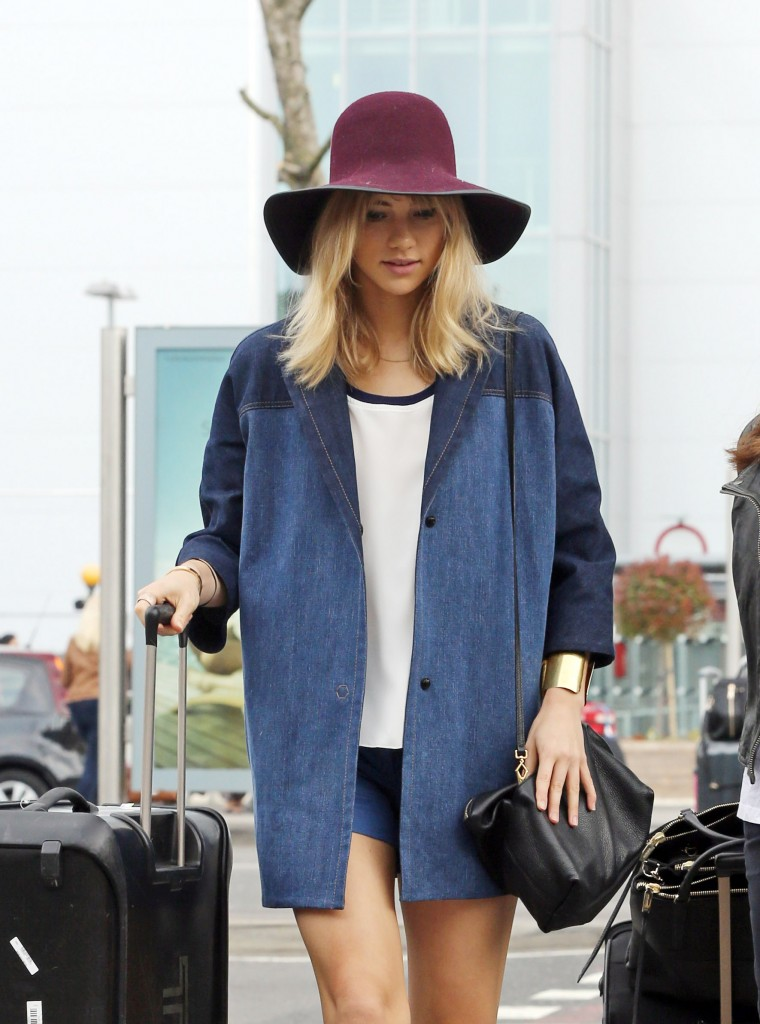 Suki Waterhouse prepares for departure