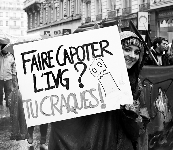 Manifestation Contre La Mise En Danger Du Droit A L Ivg