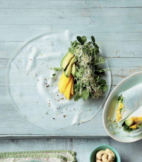Loempias mangue-avocat et sauce dip au citron vert