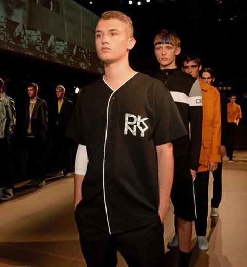 Le fils de Jude Law défile à Londres