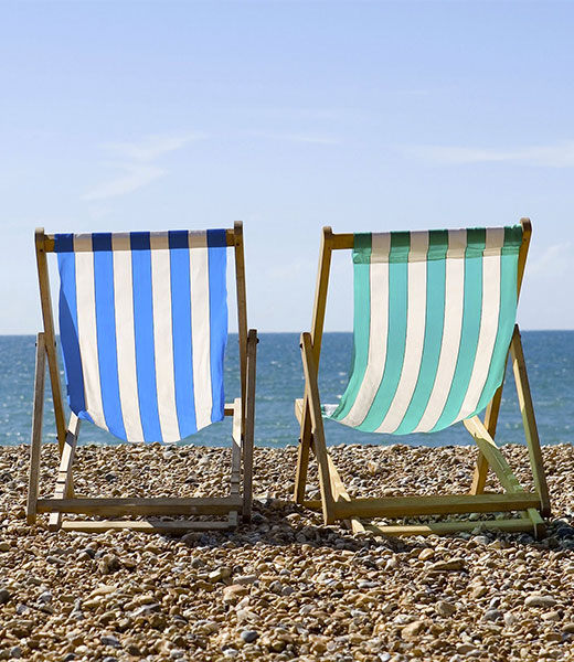 Deck-chairs-on-Brighton-b-016