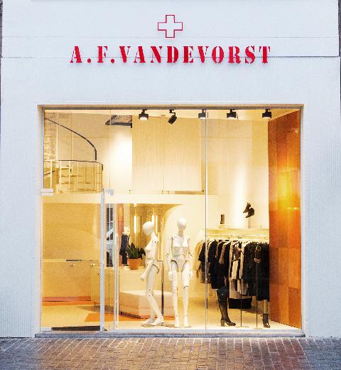 Ouverture du premier flagship store A. F. Vandevorst