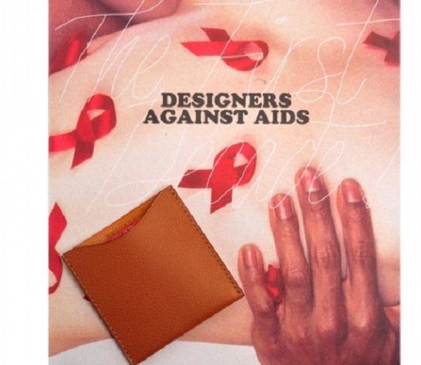 La pochette à préservatif créée par Véronique Branquinho pour Delvaux