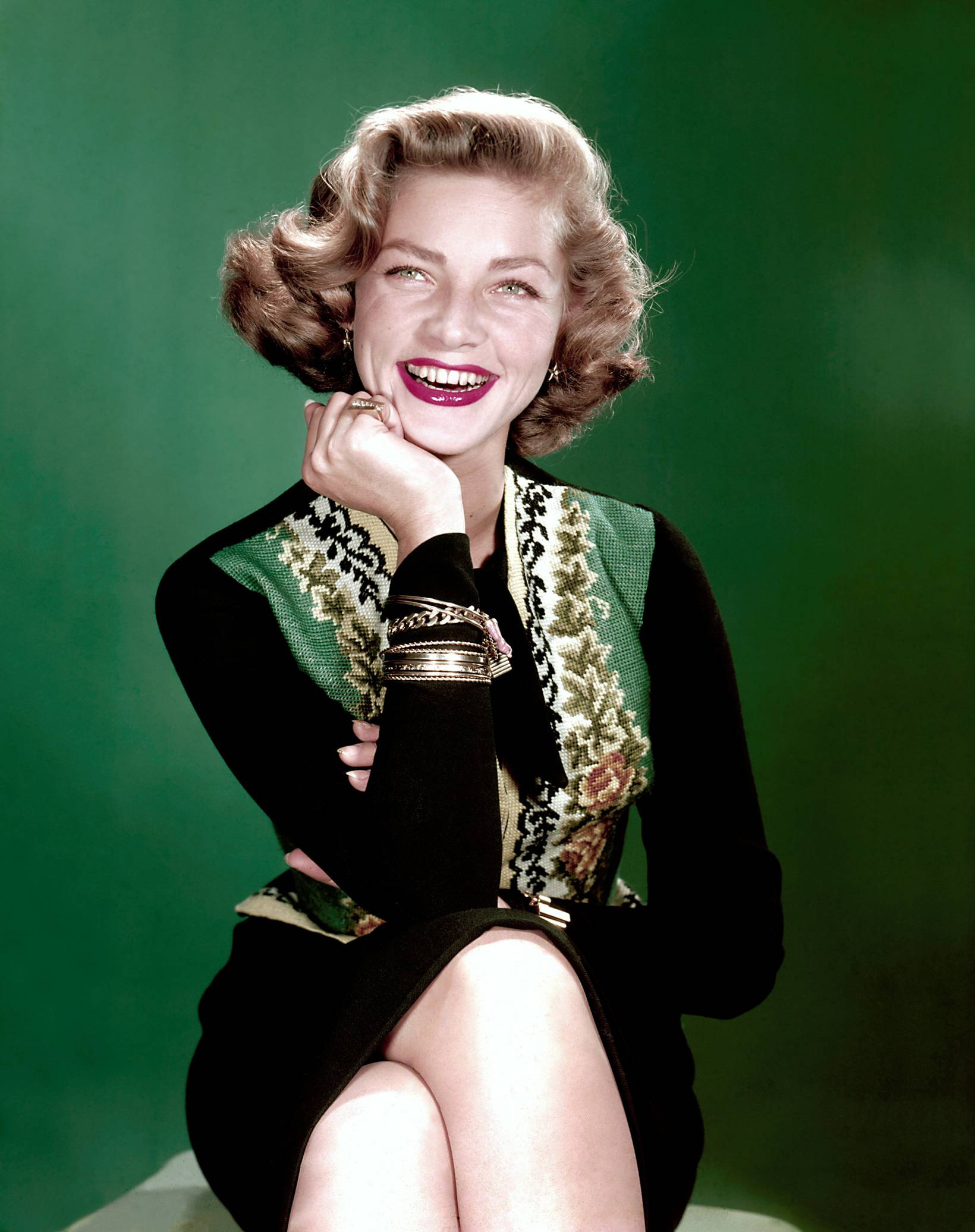 Lauren-Bacall-classic-movies-9321803-1640-2072
