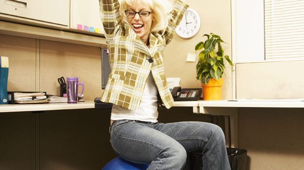swissball au bureau le sport sans effort. Black Bedroom Furniture Sets. Home Design Ideas