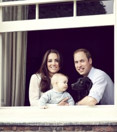 1396272706_kate-middleton-prince-george-prince-william-zoom