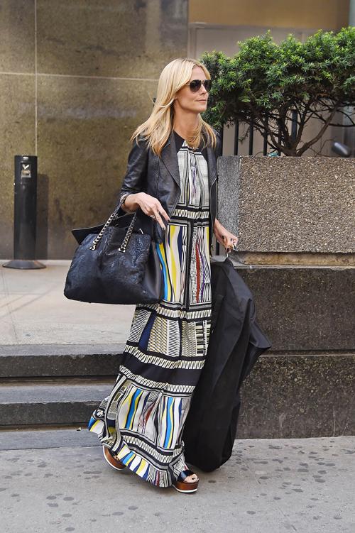Heidi-Klum-carrying-the-Roberto-Cavalli-Regina-bag-@-2014-06-20-New-York