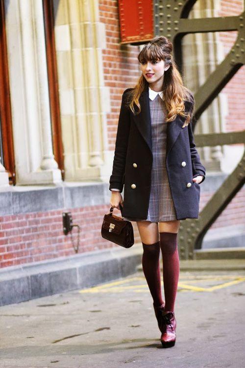 Avec une robe, on les accorde à son sac et à ses chaussures, pour un look sage (trouvé sur curiousfancy.com)