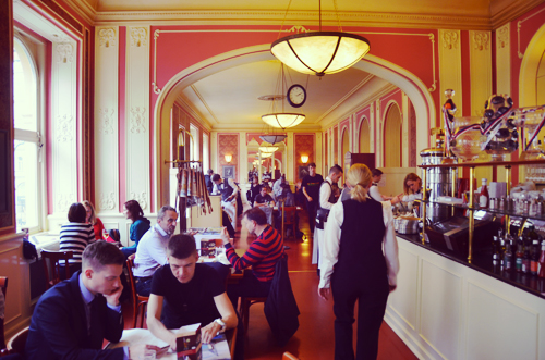 Café-Louvre