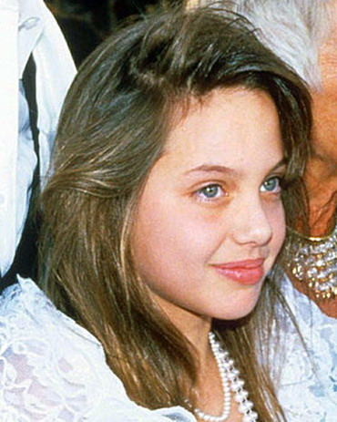 angelina_jolie_childhood_pictures-11