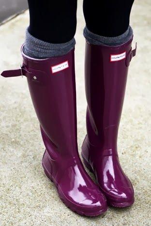 Avec des bottes en caoutchouc (trouvé sur fashioncognoscente.blogspot.com)