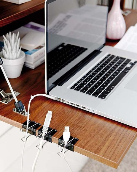 diy-home-office-organization-ideas-declutter-cables-binder-clips-desk-2