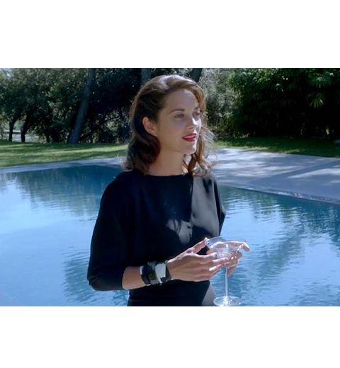 Marion Cotillard chante pour Dior