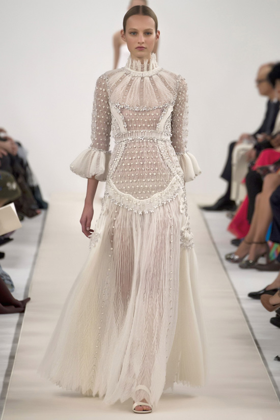 33Valentino's-New-York-Couture-Show