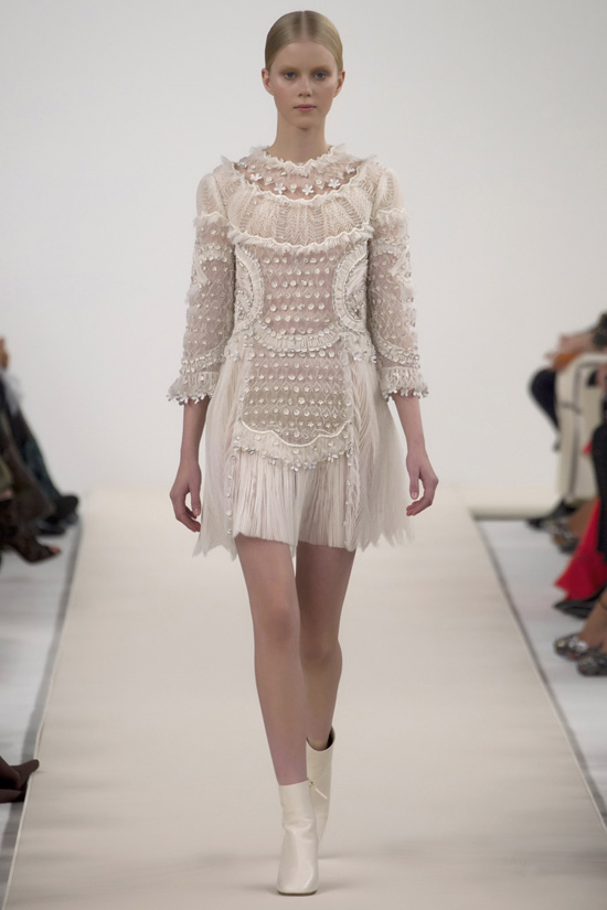 38Valentino's-New-York-Couture-Show