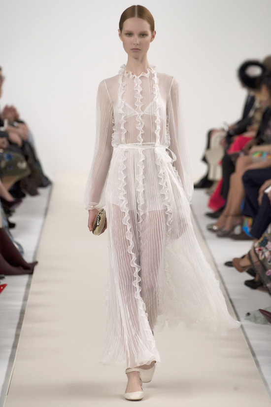 48Valentino's-New-York-Couture-Show