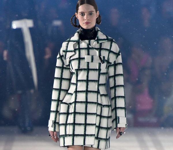 Photos : Hirokazu OHARA /Indigitalimages.com pour Style.com