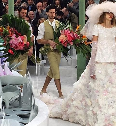 Chanel Haute Couture : Mignonne, allons voir si la rose.