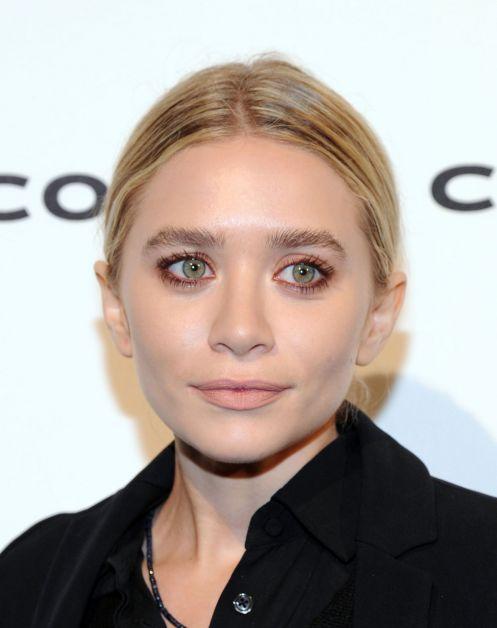 ashley-olsen-date-night-makeup-idea-rose-eyeshadow-main