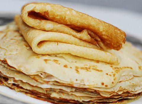 8 recettes de crêpes légères pour la Chandeleur