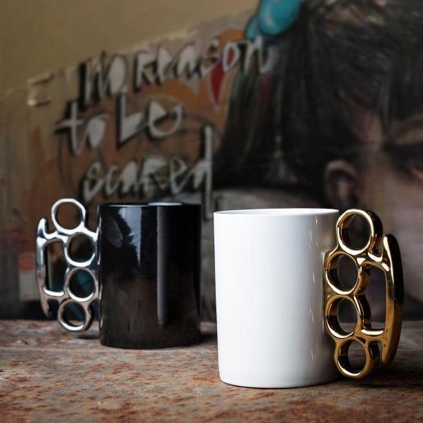 Mug Poing Américain EUR 15,90 [AMAZON.be]