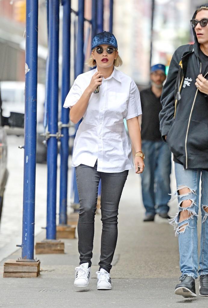 Rita Ora porte des Superstar
